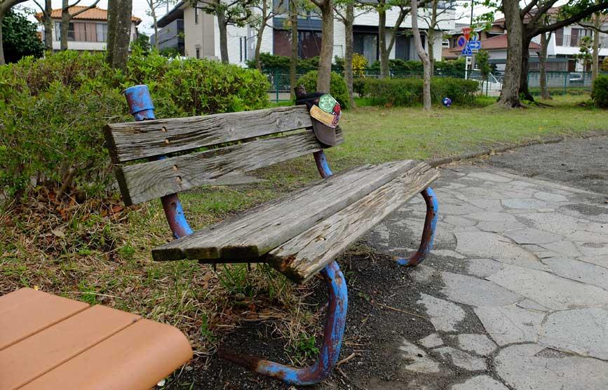 bench_f